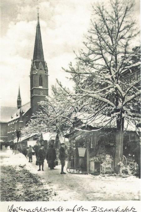 Vánoční trh na Sokolovském náměstí - poč. 20. století